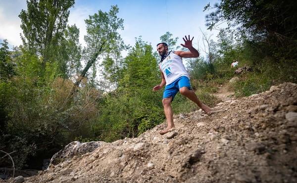 La Corsa degli Zingari di Pacentro A piedi nudi giù per la montagna
